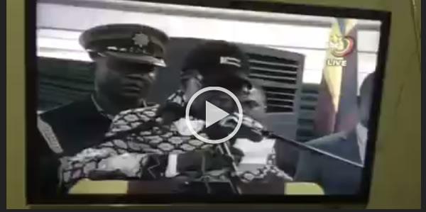 Mugabe chants 'Pasi ne Zanu PF' (Video)
