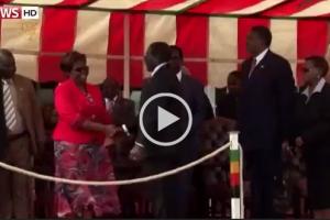 """Video: MC chants """"Gushungo"""" after Mugabe fall"""