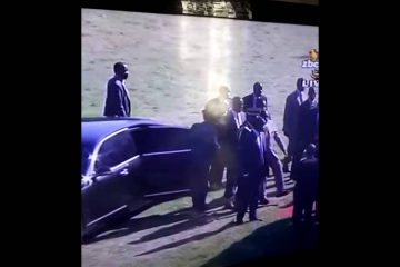 Mugabe in another near-fall (Video)