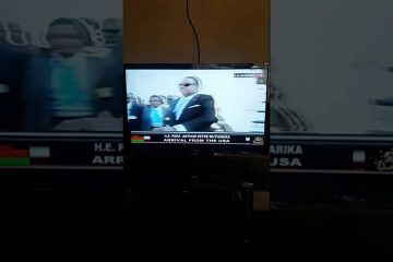 WATCH: Malawi President Peter Mutharika arrives home with one hand observably not functioning